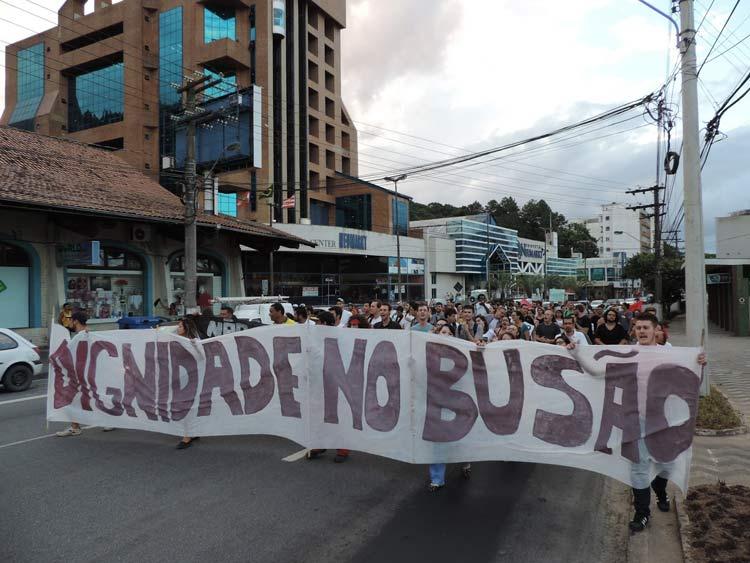 Protesto_aumento_passagem_21-01-16_03