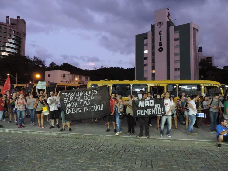 Protesto_aumento_passagem_21-01-16_04