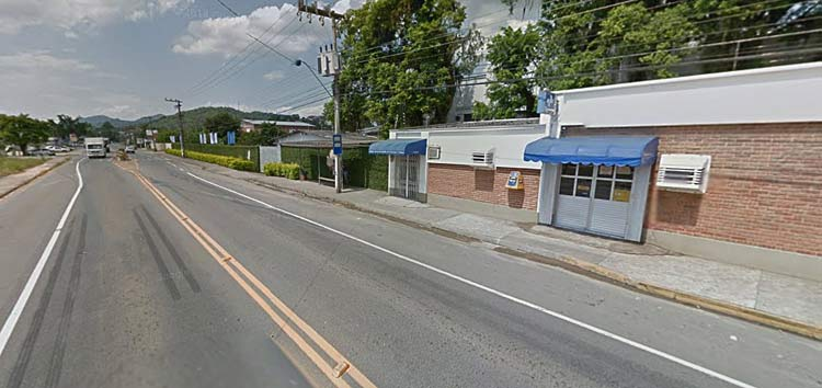 Rua Werner Duwe, agência dos Correios ao lado da Posthaus | Imagem: Google Maps (Street View) | Janeiro 2014