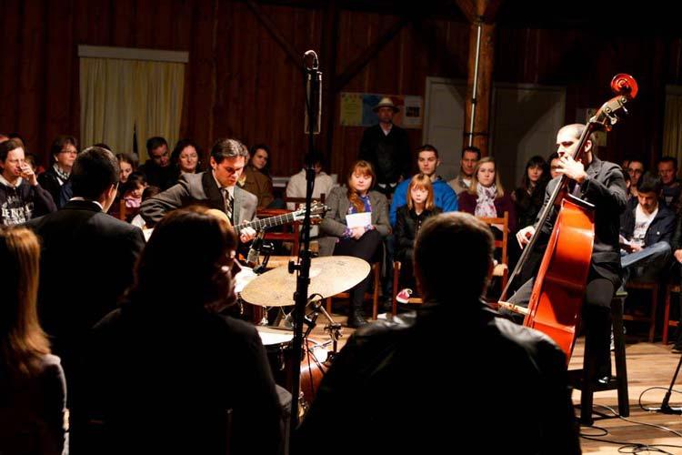 Apresentação do Jazzn' Loft Trio   Foto: Luís Carlos Kriewall Filho