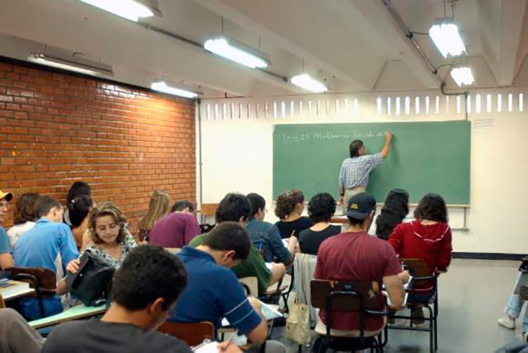 Nesta edição, o programa ofertou 203.602 bolsas de estudos em 30.931 cursos de instituições particulares de educação superior   Foto de arquivo / Agência Brasil