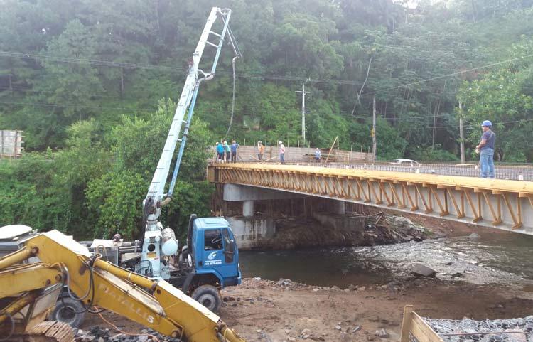 Concretagem_ponte-Ruy-Barbosa_27-02-16_01