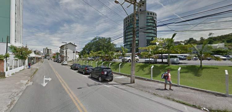 Rua Prefeito Frederico Busch Junior   Imagem: Google Maps (Street View) Janeiro 2014