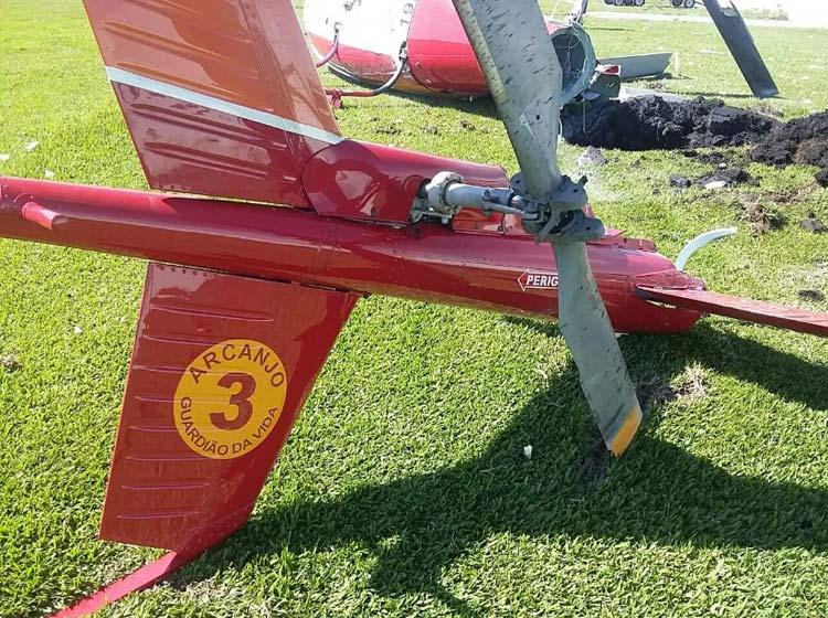 Helicoptero-Arcanjo_caido-Curitiba_25-4-16_05