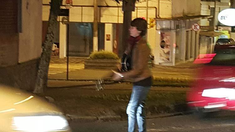 100em1Dia_cantora-rua_11-6-16_02