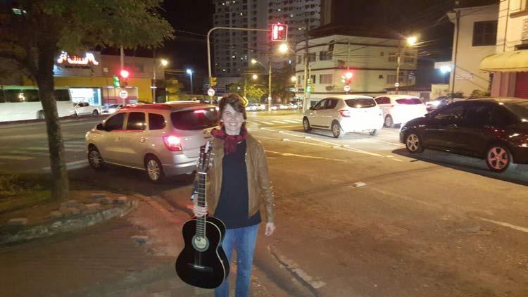 100em1Dia_cantora-rua_11-6-16_05