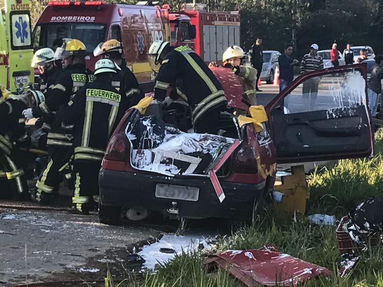 acidente-br-470_29-10-16_01