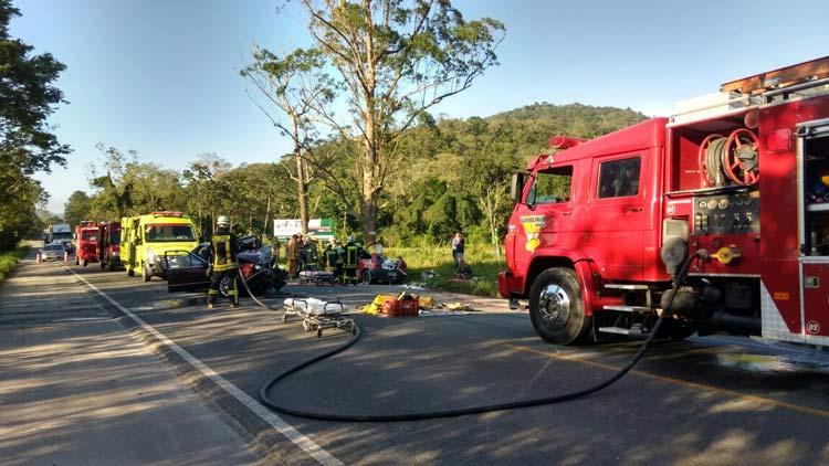 acidente-br-470_29-10-16_07