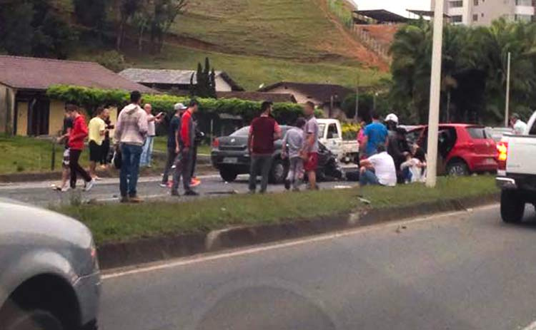acidente-via-expressa_11-10-16_01