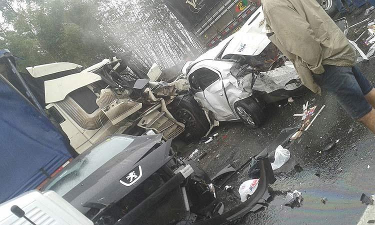 acidente_br-101_3-10-16_01