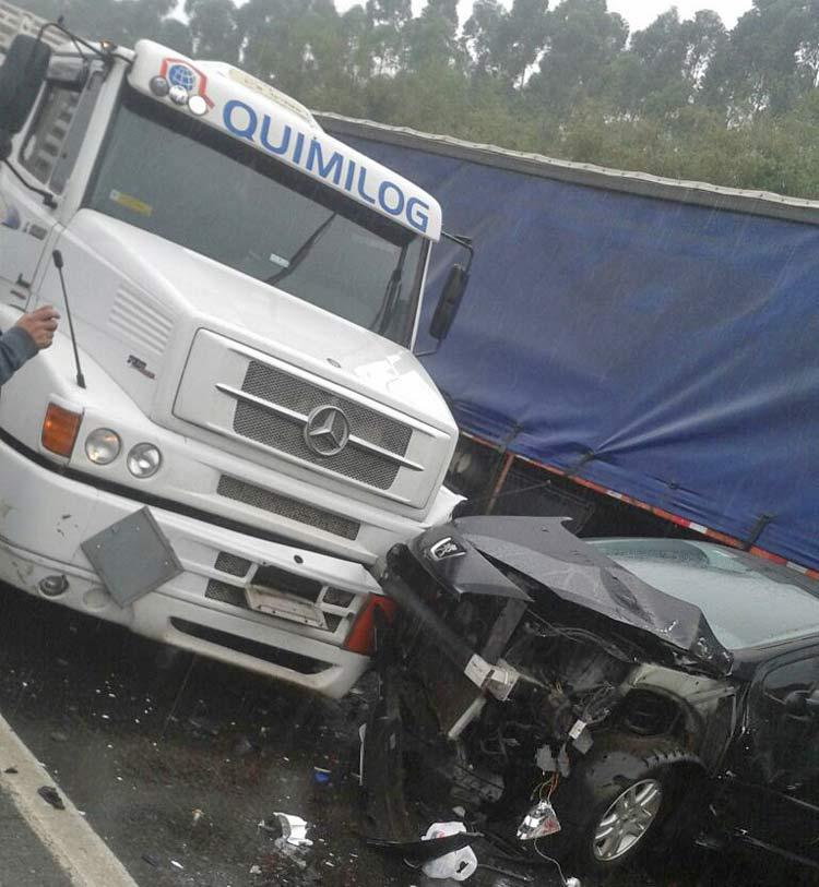 acidente_br-101_3-10-16_03