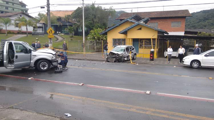 acidente_r-amazonas_01-10-16_01