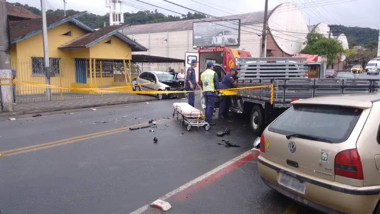 acidente_r-amazonas_01-10-16_02