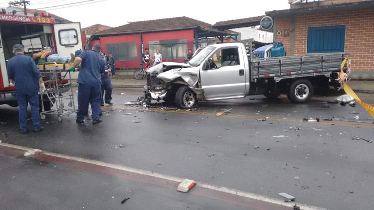acidente_r-amazonas_01-10-16_07