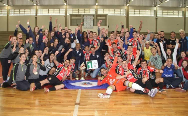 Joinvilenses comemoram 12º título na história dos Joguinhos Abertos de SC | Foto: Antonio Prado