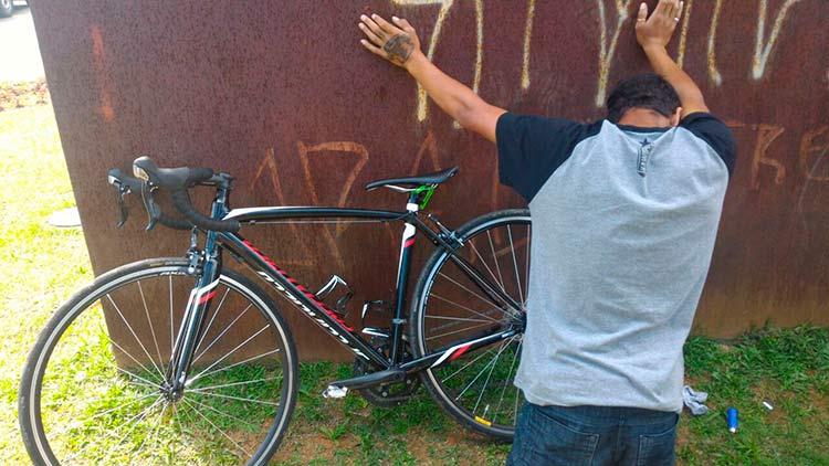 ladrao-bicicletas_14-10-16_01