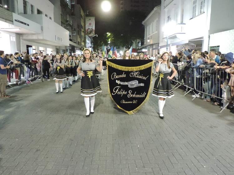 oktober-desfile-5-10-16-14
