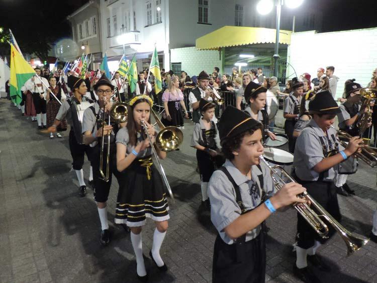 oktober-desfile-5-10-16-15