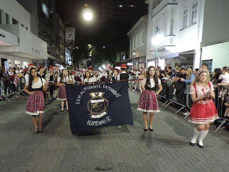 oktober-desfile-5-10-16-39