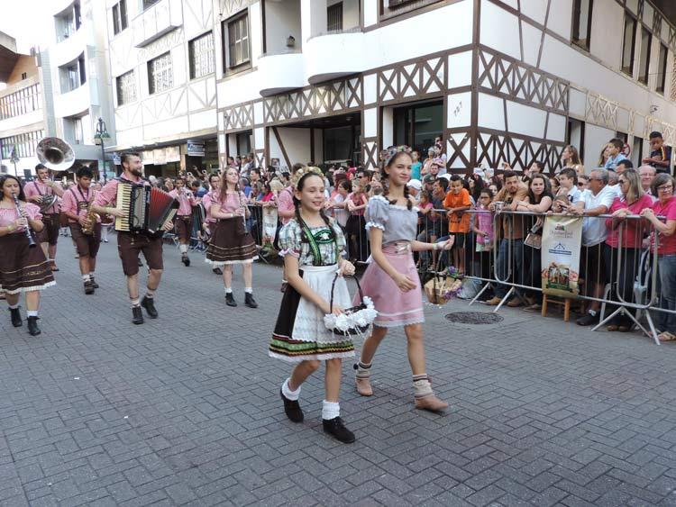 oktober-desfile-8-10-16-16