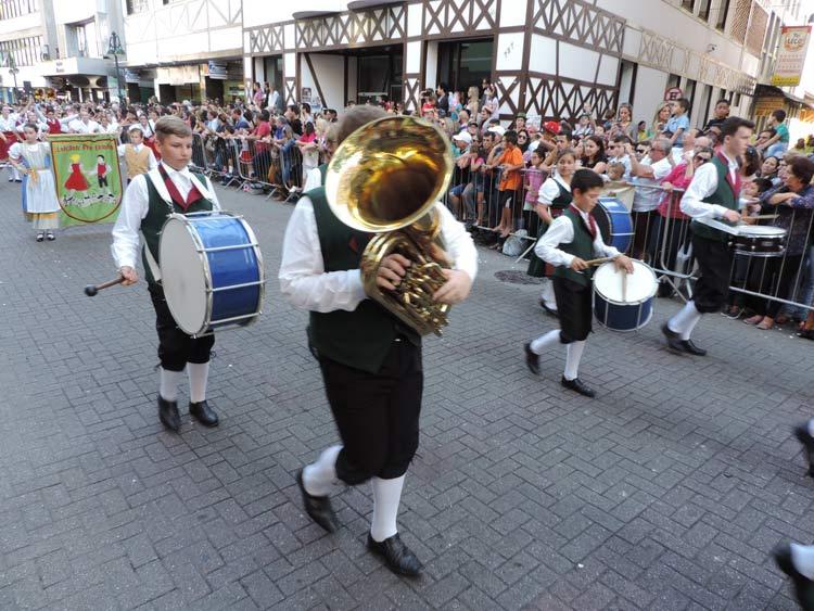 oktober-desfile-8-10-16-31
