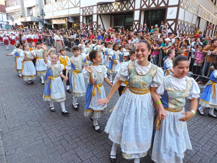 oktober-desfile-8-10-16-38