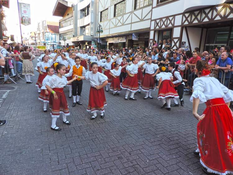 oktober-desfile-8-10-16-39