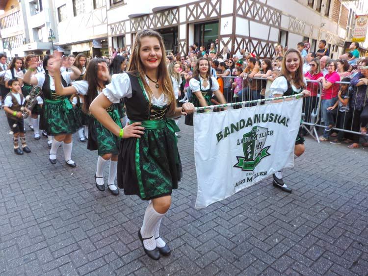 oktober-desfile-8-10-16-51