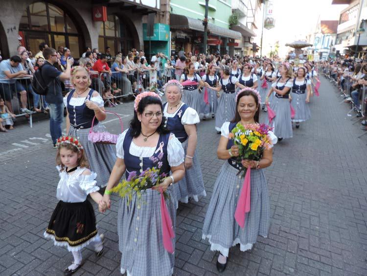 oktober-desfile-8-10-16-53