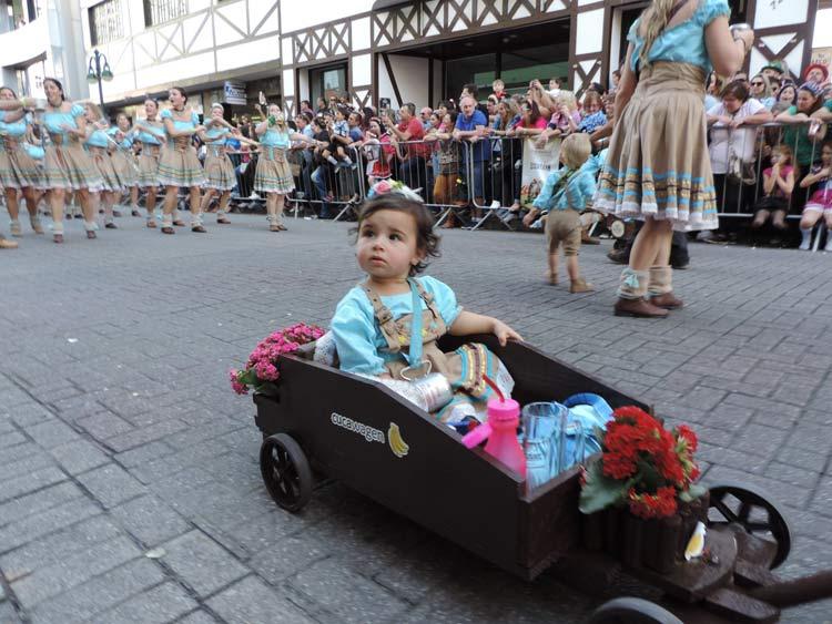 oktober-desfile-8-10-16-57