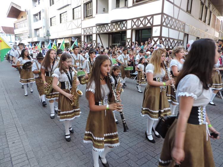 oktober-desfile-8-10-16-9