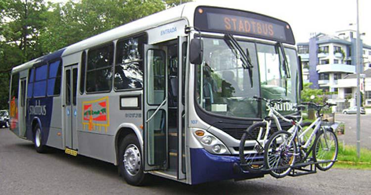 Ônibus em Santa Cruz do Sul (RS) circulam com suportes para bicicletas | Foto: Divulgação