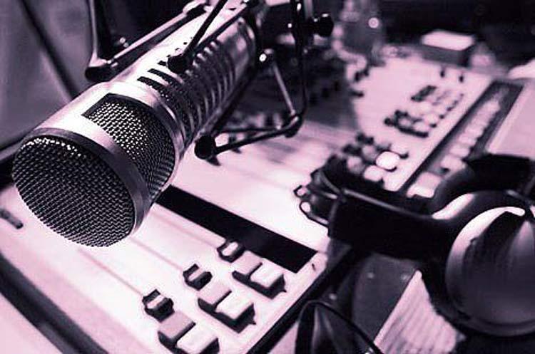 radiojornal-microfone_d25-10-16