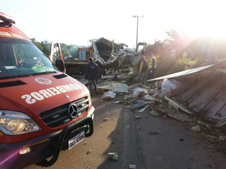 acidente-trombudo_5-11-16_04