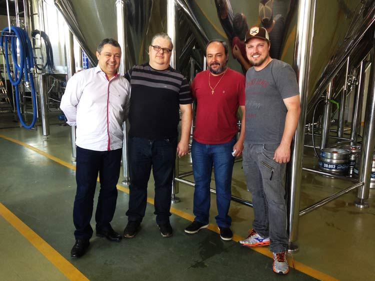 Valmir Zanetti, David Redmerski Júnior, Edvaldo Correia e Fernando Lapolli: RedCor passa a produzir em Blumenau | Foto: Divulgação