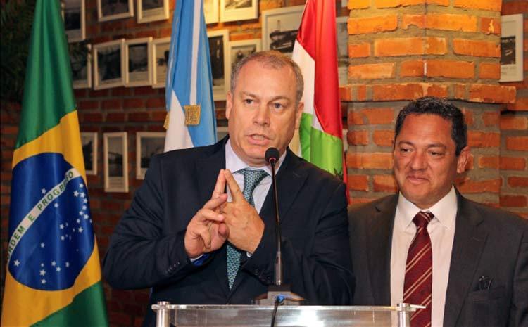 embaixador-argentina_carlos-a-magarinos_8-11-16_01