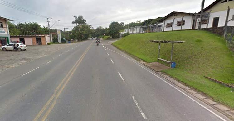 Rua Werner Duwe, bairro Badenfurt   Google Maps (Street View) Abril 2016